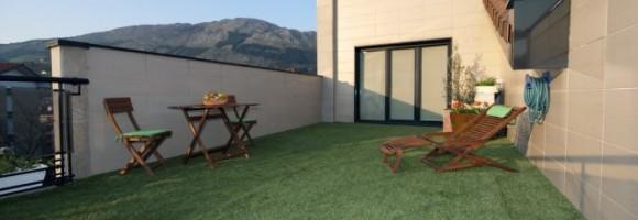 bricomania-693-colocar-hierba-artificial-en-terraza-xl-668x400x80xX